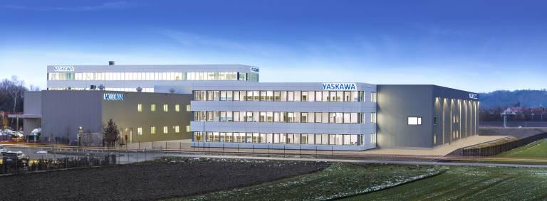 Mit dem Erweiterungsbau stärkt Yaskawa erneut seine Produktions- und Lagerkapazitäten in Allershausen. (Bild: Yaskawa)