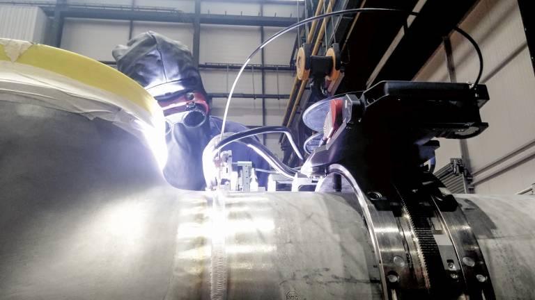 Beispiel einer Orbitalschweißanwendung aus dem Öl- und Gassektor: Sie gewährleistet eine fehlerfreie Schweißung.