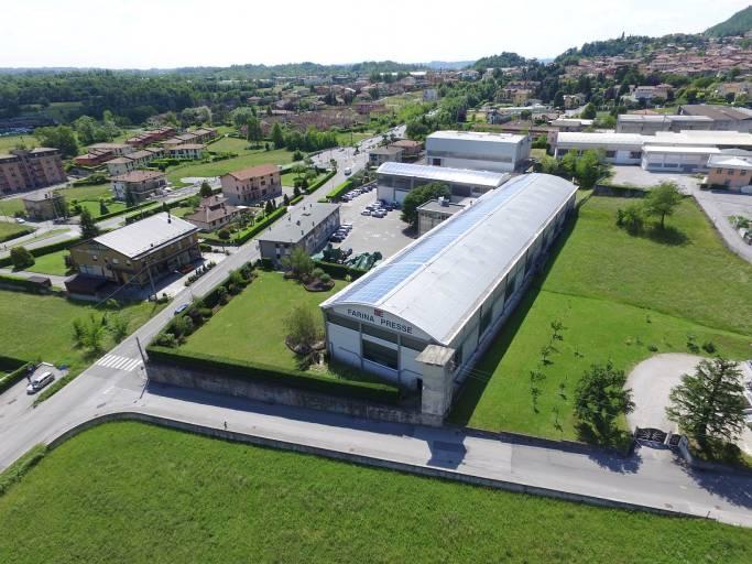 Der Produktionsstandort von Farina im italienischen Suello. (Bild: Schuler)