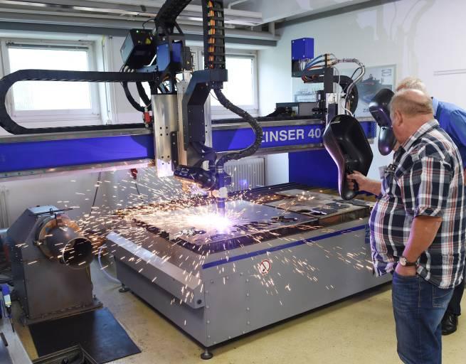 Das Plasmafasenaggregat auf der Zinser 4025 war eines der großen Highlights des Kundentags.