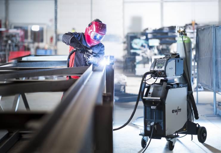 EWM zeigt auf der EuroBLECH zukunftsweisende Technologien für manuelle und automatisierte Schweißanwendungen.