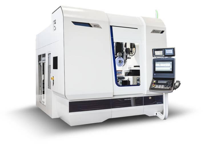 Die 5-Achs-Schleifmaschine MFP 51 besitzt eine Hochleistungsspindel mit Drehzahlen bis zu 12.000 min-1 und einen in den Schleifsupport integrierten Überkopfabrichter, der kürzeste Prozesszeiten erzielt.