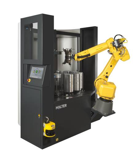Mit der Roboterzelle Halter LoadAssistant werden CNC-Werkzeugmaschinen automatisch be- und entladen.