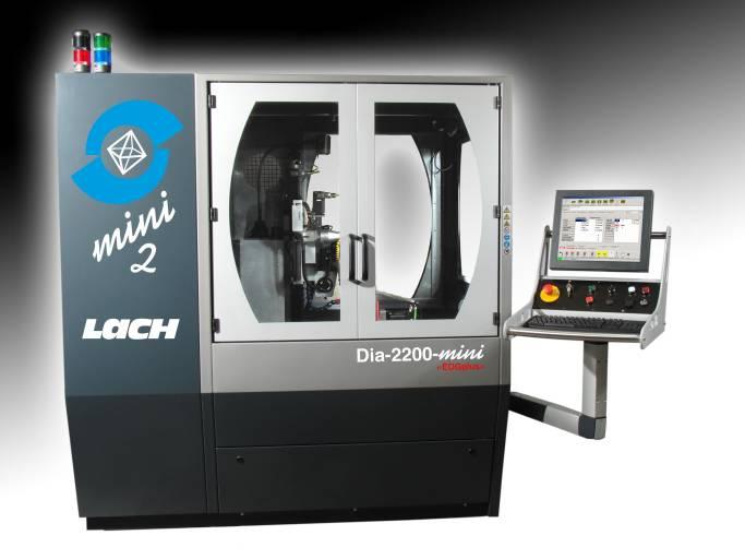 Der Universal-PKD-Schärfautomat Dia-2200-mini verfügt nun auch über ein Programm für das Fräsen extremer Achswinkel.