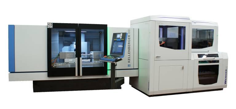 Die Kellenberger 100 mit der Automatisierungslösung Wenger WeFlex. Die Rundschleifmaschine ist in den Spitzenweiten 1.000/600 mm und Spitzenhöhe 200 mm verfügbar und für Werkstückgewichte bis 150 kg konzipiert.