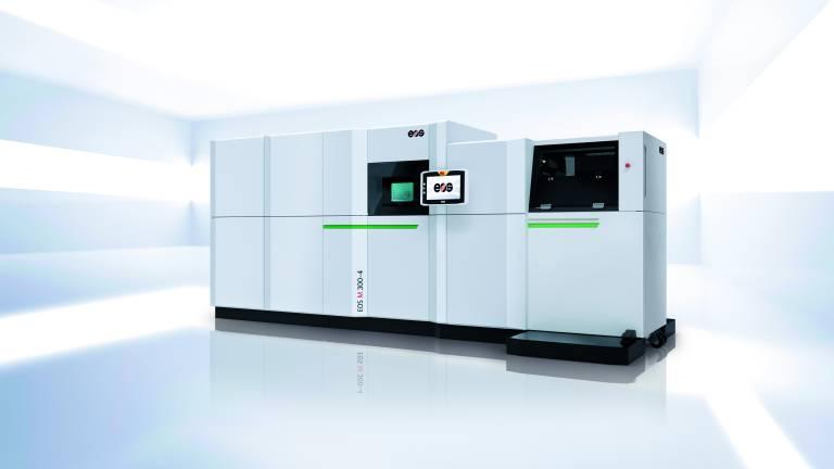 Die Produktionseinheit mit der EOS M 300-4 ist mit Softwarelösungen für alle Prozessschritte der Additiven Fertigung ausgestattet – von der Vorbereitung der CAD-Konstruktionsdaten und des Baujobs bis hin zur Qualitätskontrolle. (Quelle: EOS).