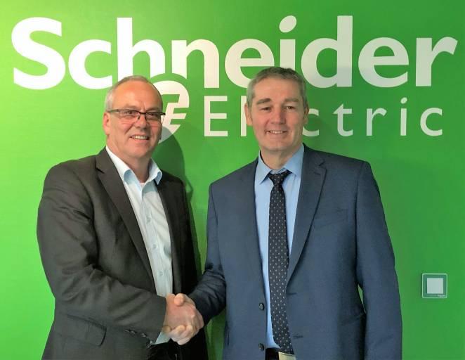 Geschäftsführer Ottmar Himmelsbach (links) geht in den Ruhestand. Nachfolger wird Philippe Briard, bisher Werksleiter bei Schneider Electric in Soultz (Elsass).
