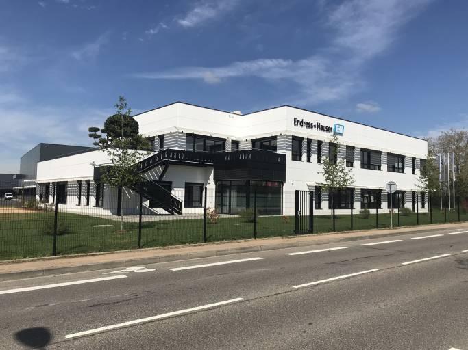 Hochentwickelte Anlayseverfahren: Endress+Hauser eröffnet Kompetenzzentrum in Lyon.