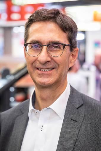 Roger Gorlero, Geschäftsführer Eplan Schweiz, plant einen verstärkten Branchenfokus mit zielgerichteten Angeboten zur langfristigen Stärkung der Wettbewerbskraft von Unternehmen der Zielbranchen in der Schweiz.  Quelle: Eplan Software & Service GmbH & Co. KG