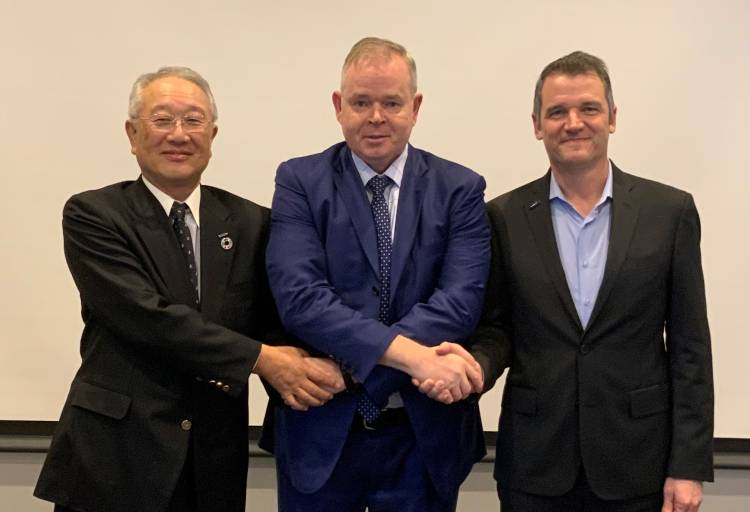 From left to right: Junji Tsuda, past IFR President; Steven Wyatt, IFR President; Milton Guerry, IFR Vice President (picture © Patrick Schwarzkopf)