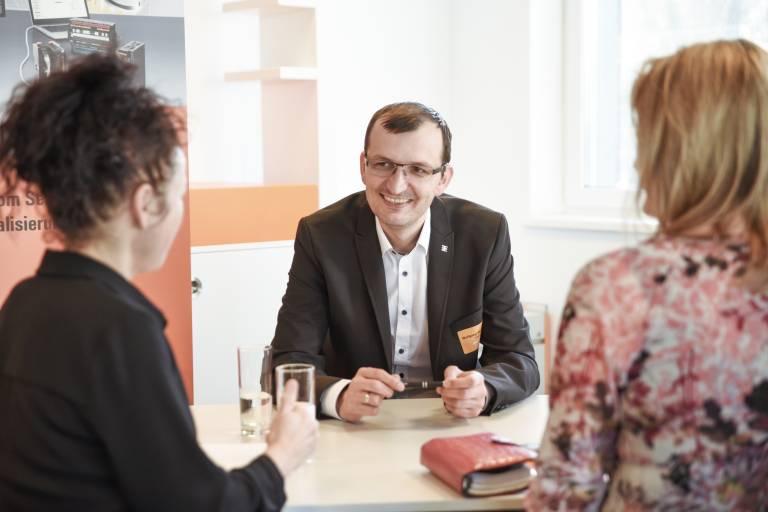 """Bei einem """"Speeddating-Presseevent"""" nutzte x-technik AUTOMATION die Gelegenheit, den Weidmüller-Geschäftsführer Wolfgang Weidinger nach seinen Plänen für 2019 zu befragen."""
