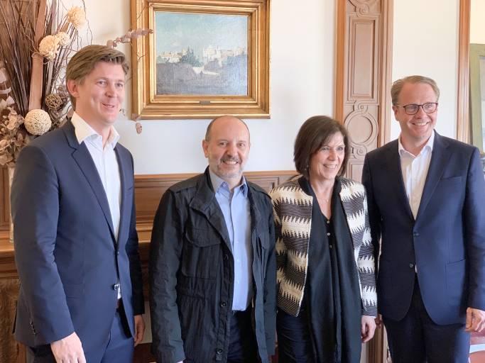 V. l.: Lars Böhrnsen, Vorstand Finanzen der Stemmer Imaging AG, Salvador Giro, CEO der Infaimon S.L., Arne Dehn, Vorstandsvorsitzender der Stemmer Imaging AG.