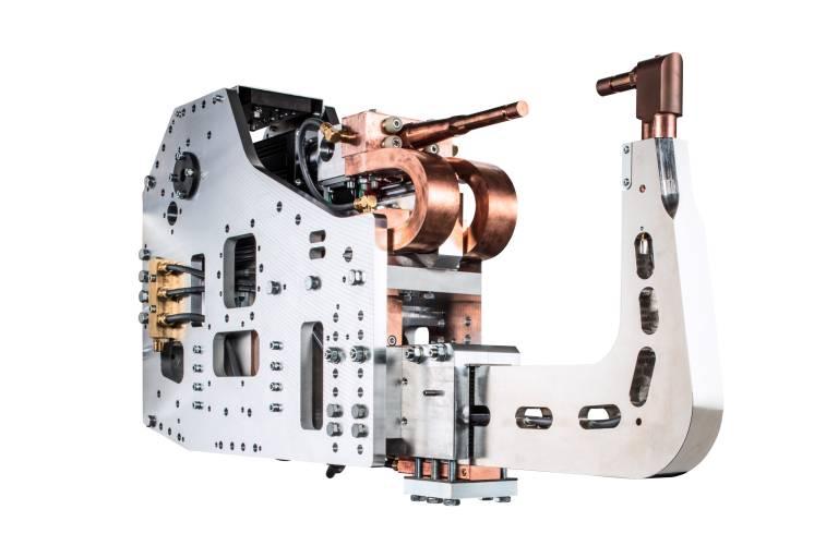Die DeltaCon-Schweißzangen bieten Anwendern die Möglichkeit, Punktschweißprozesse für Aluminiumbleche wirtschaftlich, flexibel und einfach zu realisieren.