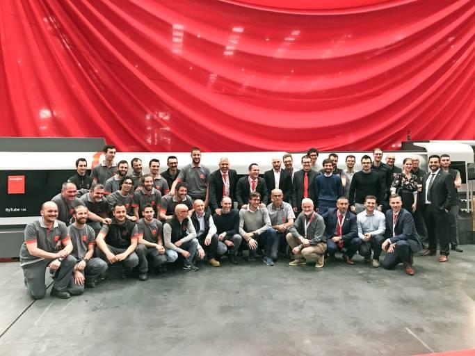 Bystronic und TTM Laser feiern die Eröffnung des neuen Experience Centers.