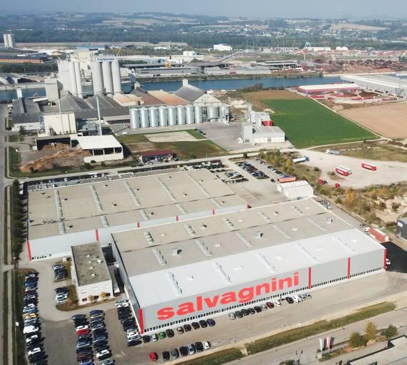 Im Oktober 2018 wurde die siebte Halle am Unternehmensstandort in Ennsdorf eingeweiht.