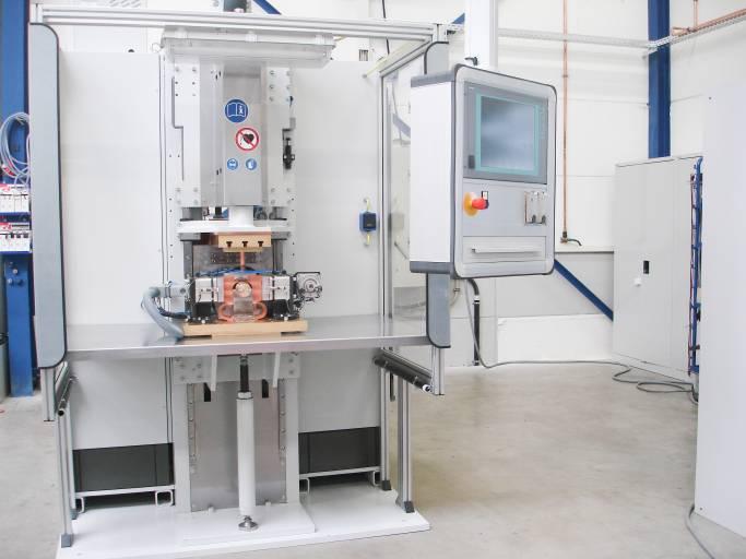 Um den Marktansprüchen gerecht zu werden, hat ARO ihre Produktpalette um Kondensatorentladungsschweißmaschinen erweitert.