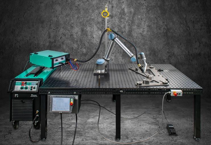 WeldROB: Komplettsystem zum Roboter-Schweißen von Merkle.