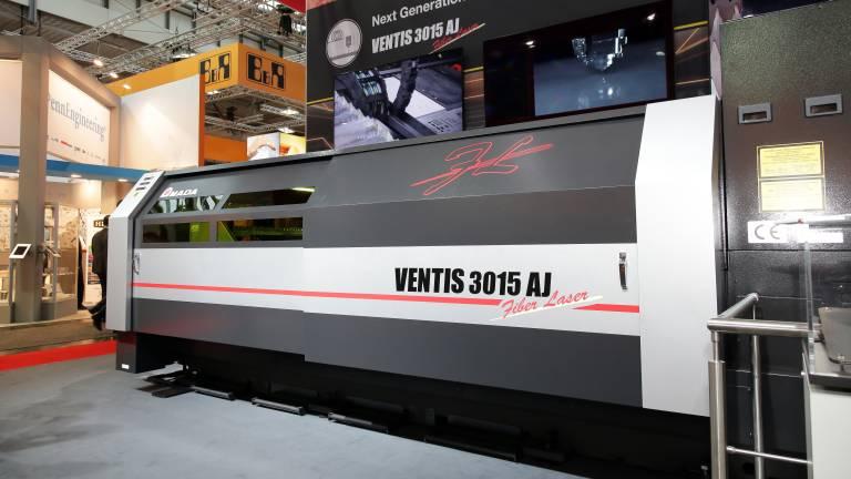 Mit der Markteinführung der VENTIS-AJ in Europa, hat Amada sein Portfolio um eine Faserlaserschneidmaschine mit hoher Produktivität und besonderen Stärken im Edelstahl- und Aluminiumbereich erweitert.