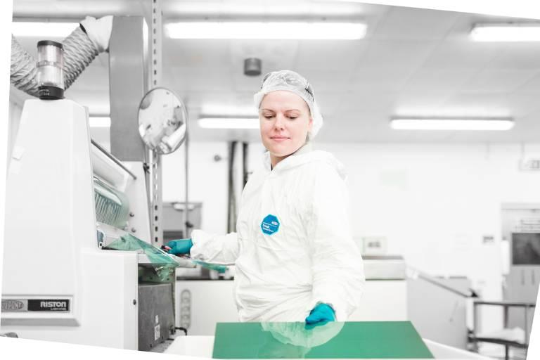 Prozessoptimierung: Der Ätzspezialist Precision Micro plant, seinen Fertigungsprozess bis 2020 vollständig zu automatisieren.