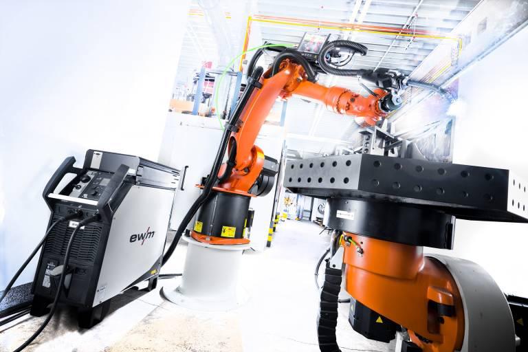 Lückenlose Dokumentation und Qualitätssicherung wird auch beim Roboterschweißen immer wichtiger. ewm Xnet unterstützt Unternehmen dabei.