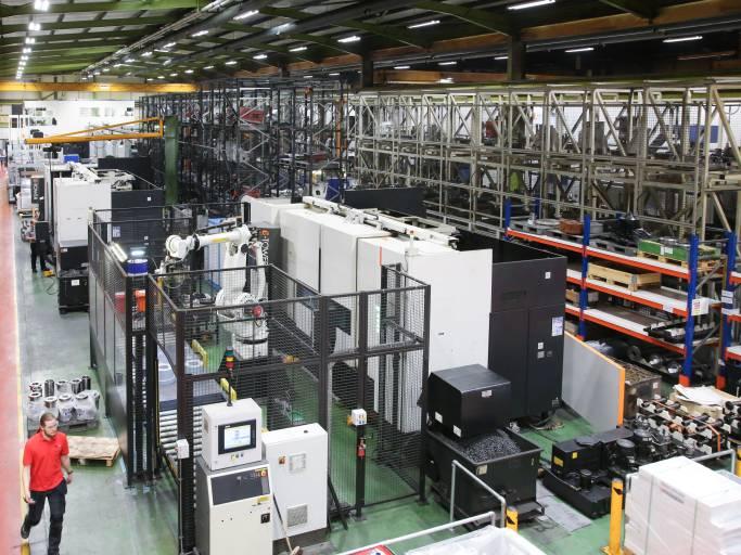 Im europäischen Headquarter in Worcester (UK) werden von aktuell rund 800 Mitarbeitern insgesamt mehr als 100 Maschinen pro Monat gefertigt.