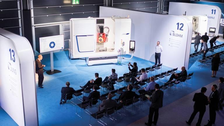 Über 1.500 Besucher aus aller Welt, darunter Kunden der Unternehmensgruppe und internationale Fachjournalisten, besuchten die dreitägige Veranstaltung im Schweizerischen Thun.