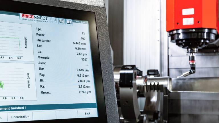 Mit emcoNNECT wird das Maschinenbedienpult zur zentralen Plattform für den Zugriff auf alle erforderlichen Funktionen.