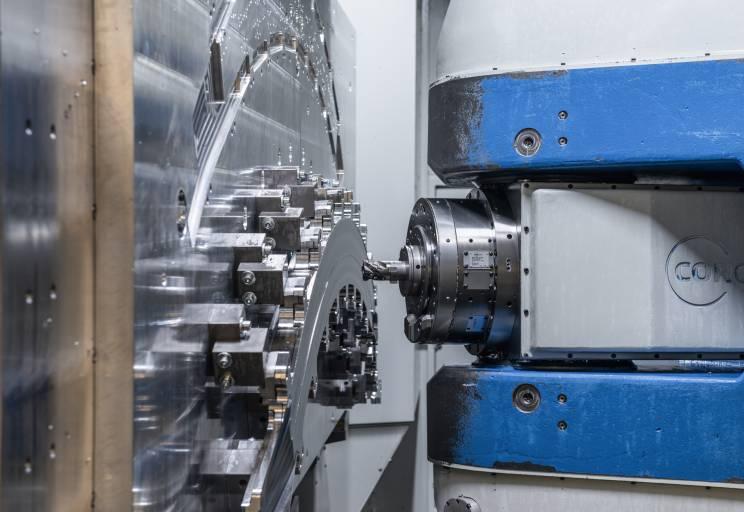 Die Flugzeugindustrie gehört in den Bereichen neue Werkstoffe und Bearbeitungsverfahren zu den Vorreitern.