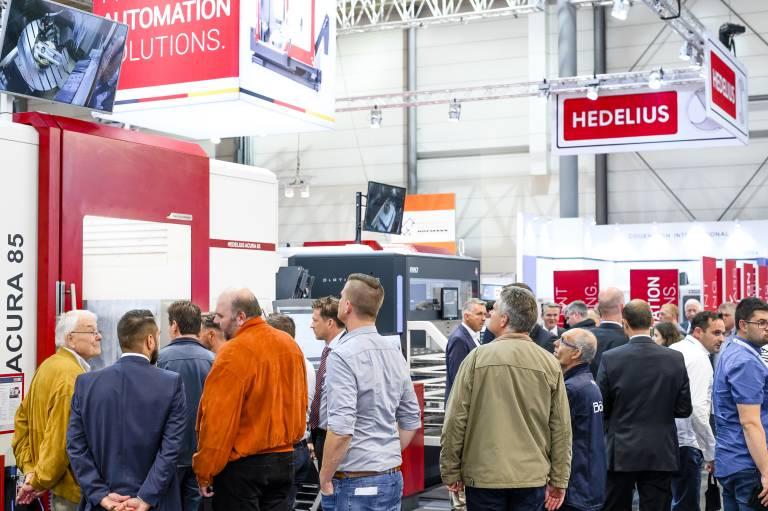 ACURA 85 und ACURA 65 EL mit BMO Automation stießen bei den Besuchern des Hedelius Messestandes auf der EMO 2019 auf großes Interesse.