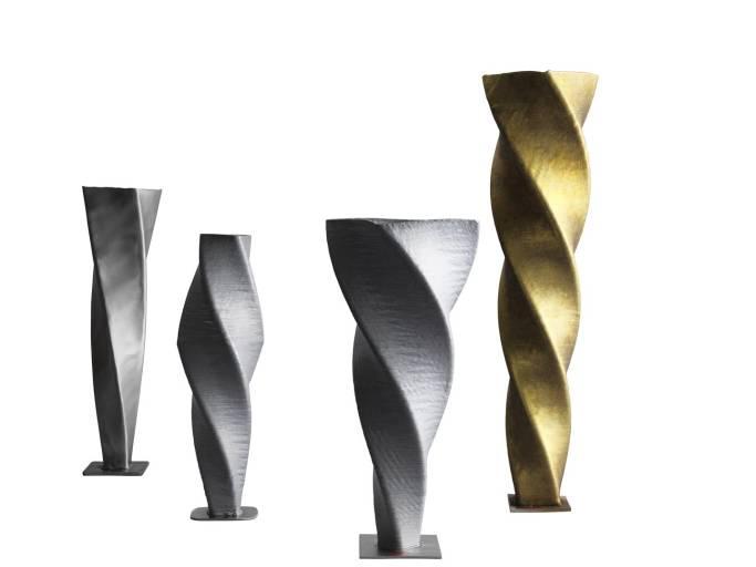 Für WAAM können verschiedene Zusatzwerkstoffe verwendet werden wie etwa Stahl, Aluminium, Chrom-Nickel-Stahl oder Bronze.
