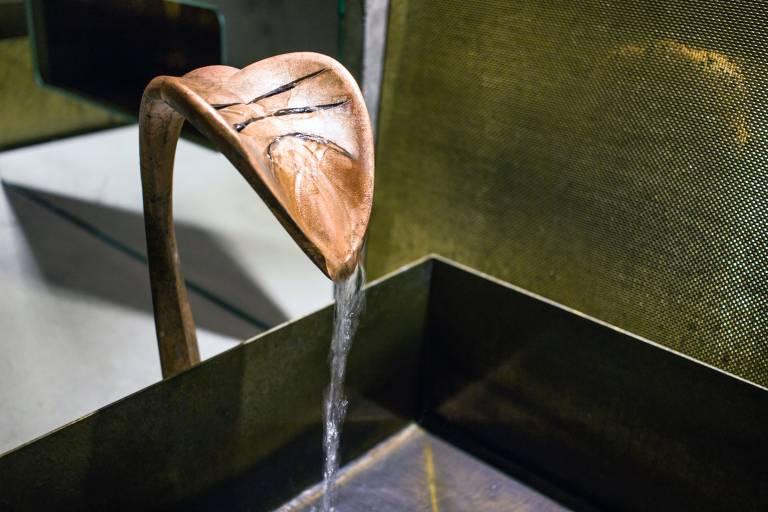 Designwasserhahn mit Kupfer matt galvanisiert .