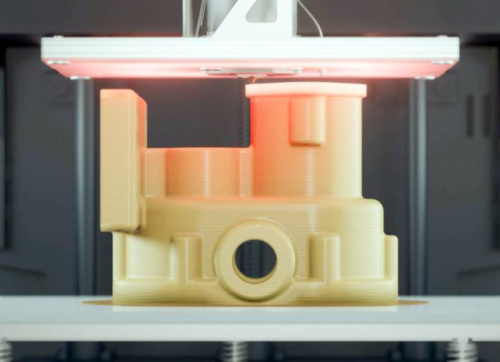 Bauteile aus PEEK sollen auch bei additiver Herstellung über die gewünschten Materialeigenschaften verfügen. Apium passt den Prozess an das Material an statt umgekehrt.