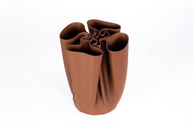 Komplexe Formen wie diese Schokoladenvase können gedruckt werden, welche beim herkömmlichen Gießprozess nicht entformt werden könnten.