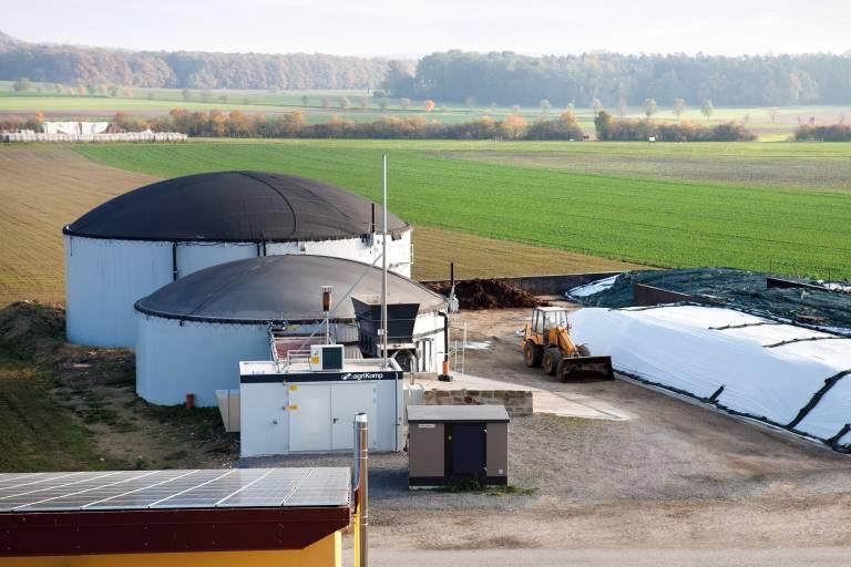 Aufgrund geänderter Förderbedingungen in Deutschland brachte Agrikomp 2014 das Biogas-Kleinanlagen-Konzept agriSelect auf den Markt. Das Unternehmen setzt als Steuerungslösung APROL in Verbindung mit der B&R-Hardware ein.
