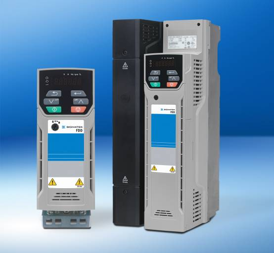 Die neuen FDD 3000-Niederspannungsumrichter von Sigmatek können Asynchron-Motoren mit einem Leistungsbereich von 0,37 bis 132 kW präzise steuern.