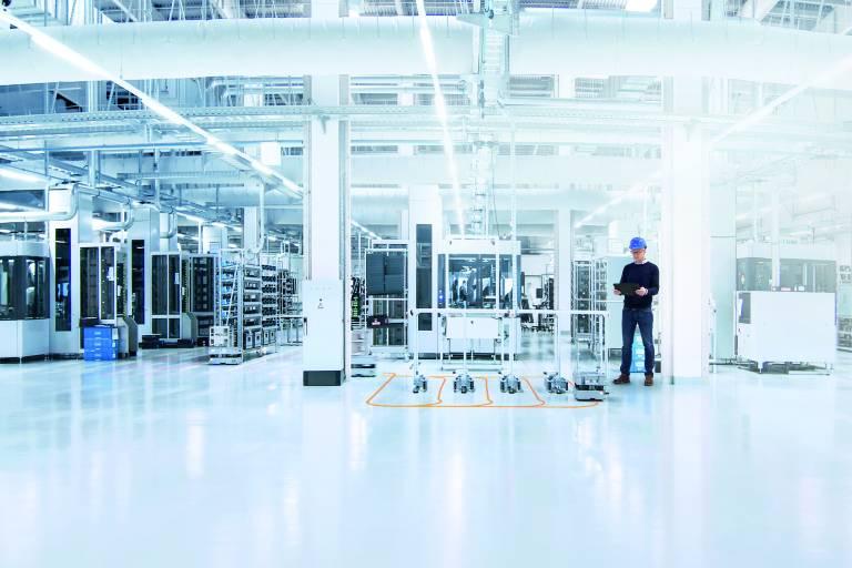 Digitale Services des SICK Integration Space integrieren, vernetzen und visualisieren smarte Sensoren in digitalisierten Automatisierungsstrukturen.
