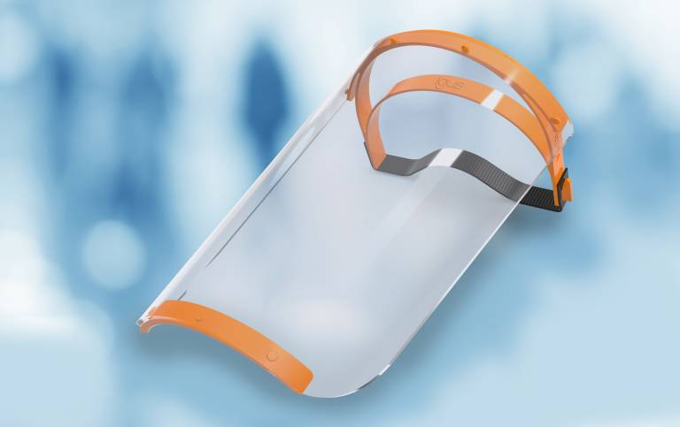 igus produziert am Standort Köln Kopfbänder für Face Shields. Durch das Spritzguss-Verfahren können über 10.000 Teile pro Woche hergestellt werden. (Quelle: igus GmbH)