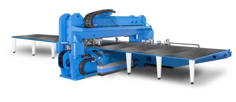 Die MultiPunch 4020 von Boschert ist speziell für die wirtschaftliche Bearbeitung von Blechen im Superformat von 4.000 x 2.000 Millimetern konzipiert.