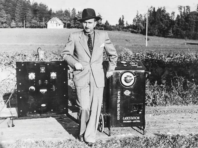 Günter Fronius legte 1945 den Grundstein für die Fronius International GmbH, die heute weltweit zu den Innovationsführern in den Bereichen Schweißtechnik, Photovoltaik und Batterieladetechnik zählt. (Bild: Fronius International)