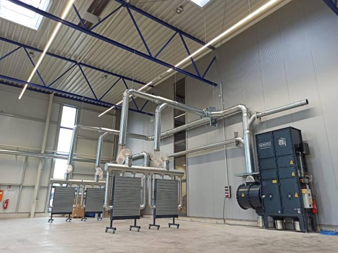 Die modularen Entstaubungsanlagen von Ulmatec sind für verschiedenste Arbeitsprozesse geeignet – ob Drehen, Fräsen, Schleifen, Lasern oder Schweißen.