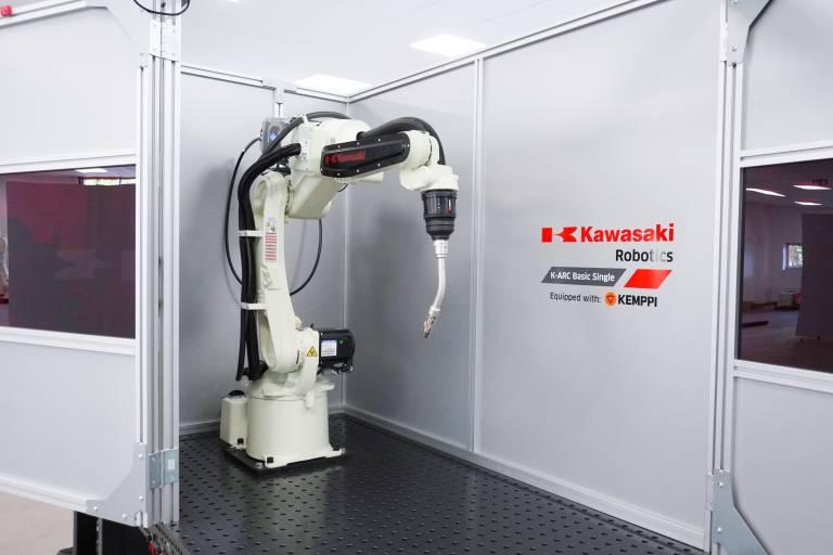 Die kompakte Lichtbogenschweißzelle K-ARC Basic und das 3D-Simulationstool K-Virtual machen die Automatisierung von Schweißprozessen einfacher, flexibler und kosteneffizienter.