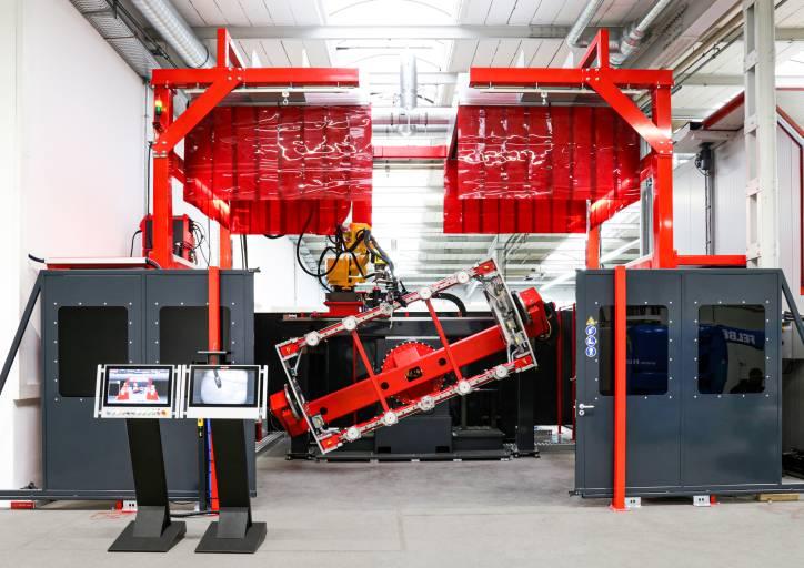 Die Roboterschweißzellen im Fronius Prototypenzentrum sind mit modernster Spann-, Sensor- und Schweißtechnik – etwa dem CMT-Prozess – ausgestattet. (Bilder: Fronius International)