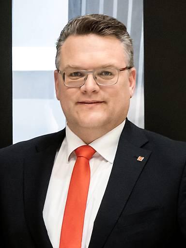 Wir wollen unsere Kunden in Österreich mit technischen Lösungen der Extraklasse sowohl in puncto Produktivität, Wirtschaftlichkeit als auch mit zuverlässigem Service unterstützen.   Florian König, Niederlassungsleiter Mazak Österreich