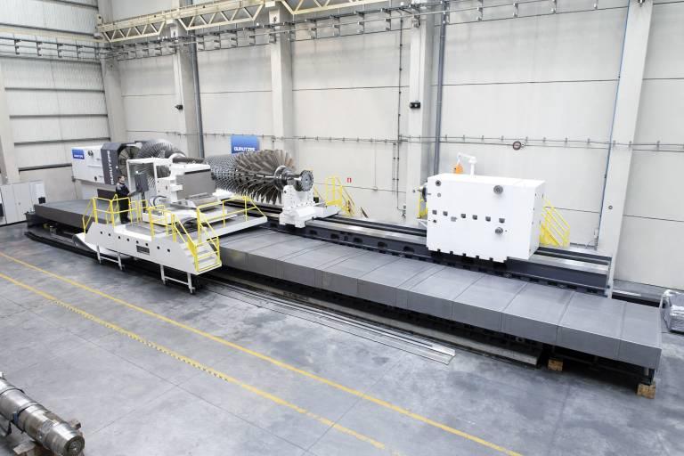 Die horizontalen Flachbett-Drehmaschinen mit hydrostatischer Führung GHD von Gurutzpe basieren auf einer Bauweise mit zwei Maschinenbetten aus gehärtetem, geschliffenen Guss.
