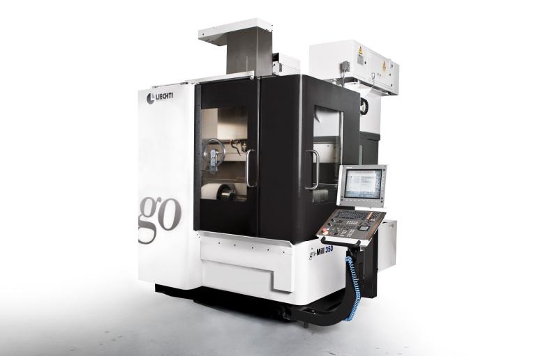 Das kompakte Design der Liechti go-Mill 350 ermöglicht eine gute Zugänglichkeit und optimale Sicht auf das Werkstück.