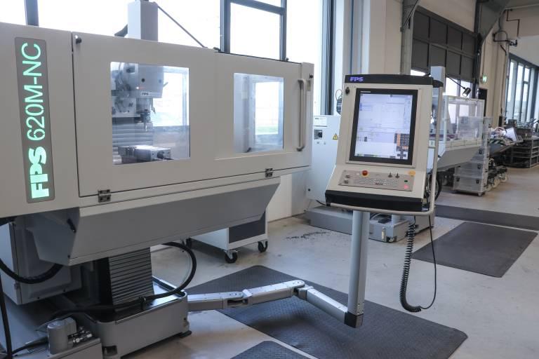 Die bei Benninghoven eingesetzten FPS 620 M-plus und FPS 620 M-NC lassen sich manuell mit mechanischem oder elektronischem Handrad bedienen.