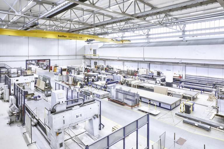 In der A&T-Fertigung kommen insgesamt sieben verschiedene Großformat-Fräsanlagen von Harmuth CNC-Frästechnik zum Einsatz, die genau auf die jeweilige Aufgabe abgestimmt sind.
