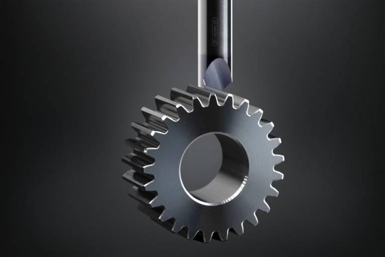 Für die Fertigung von definierten Fasen entwickelte Horn eine Technologie samt dem zugehörigen Fertigungsprozess.