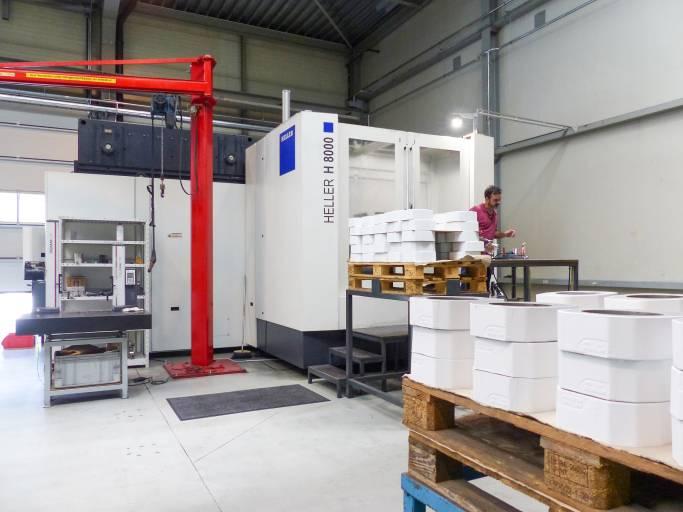 Das 4-Achs-Bearbeitungszentren H 8000 von Heller. Bei Losgrößen über 200 Stück läuft die Maschine bei der high-tech-metals GmbH im Zwei-Schicht-Betrieb fünf Tage die Woche.