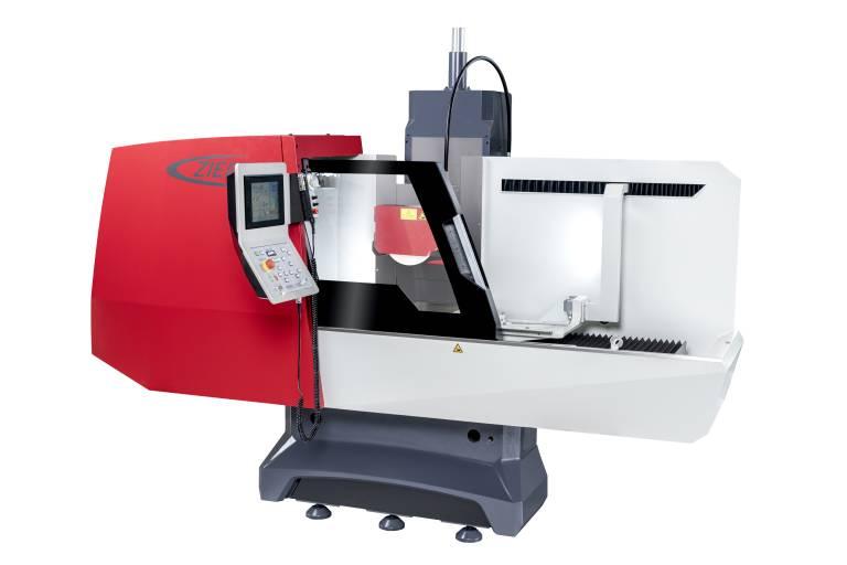 Mit einem Schleifbereich von 500 x 350 mm passt die Z35 von Ziersch hervorragend in den Werkzeug- und Formenbau.